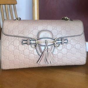 Authentic Gucci leather chain purse 🌸